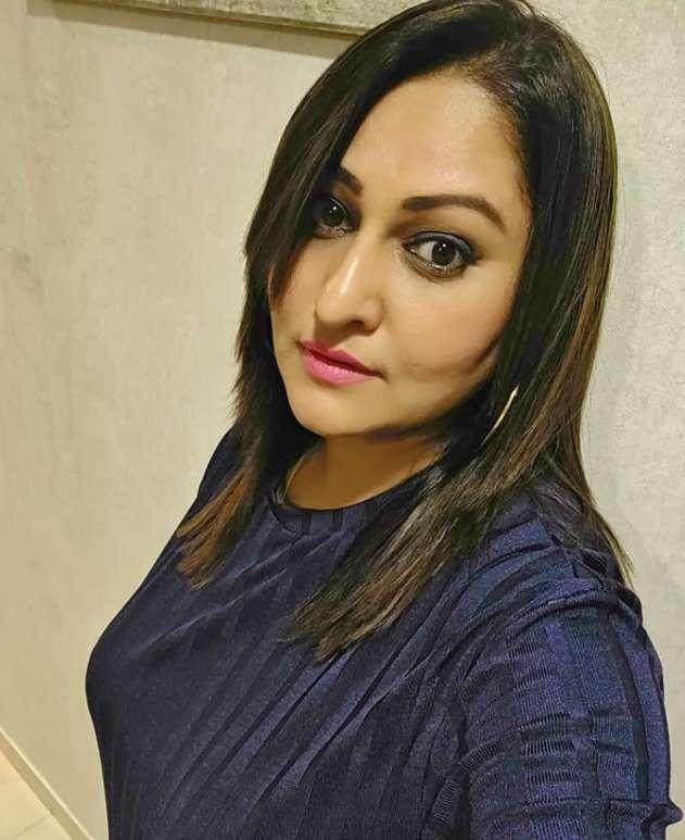 Sanjana Phadke wiki Biography Height Net Worth images