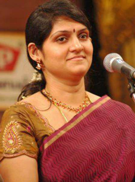 Singer Harini wiki Biography Height Family Net Worth images