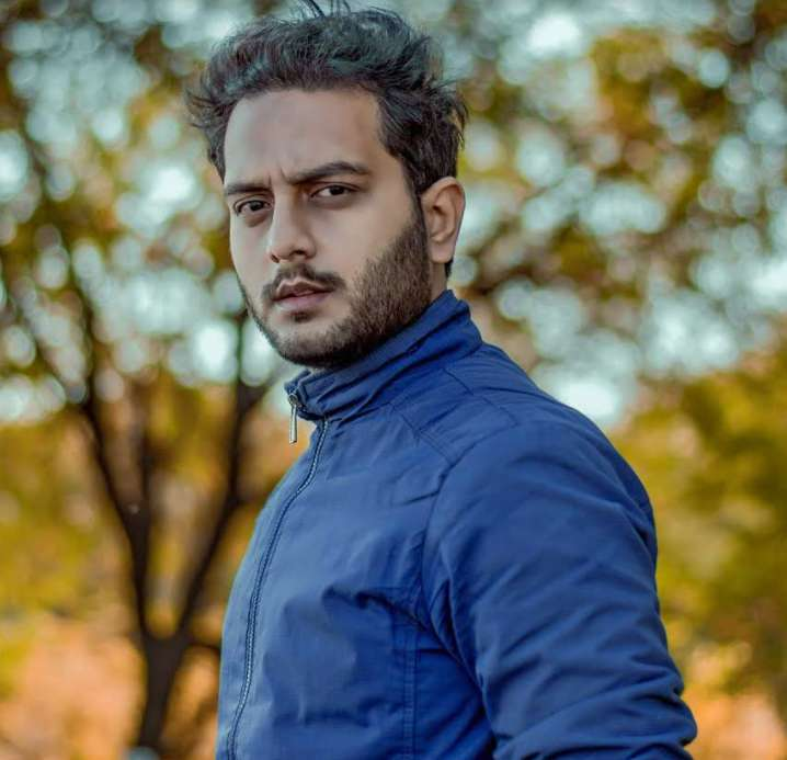 Deepak Suthar wiki Biography Height Family Movies images