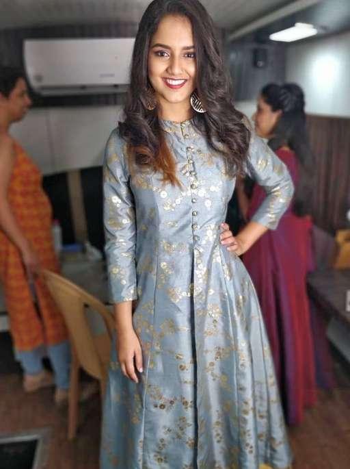 Singer Madhura Dhara Talluri wiki Biography Family Net Worth Profile