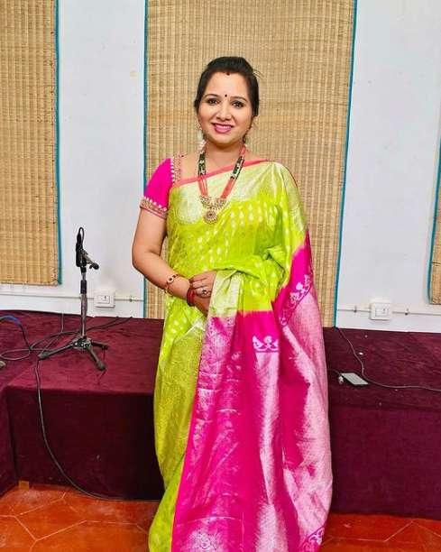 Singer Mahathi images