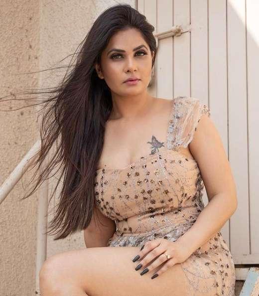 Aabha Paul photo