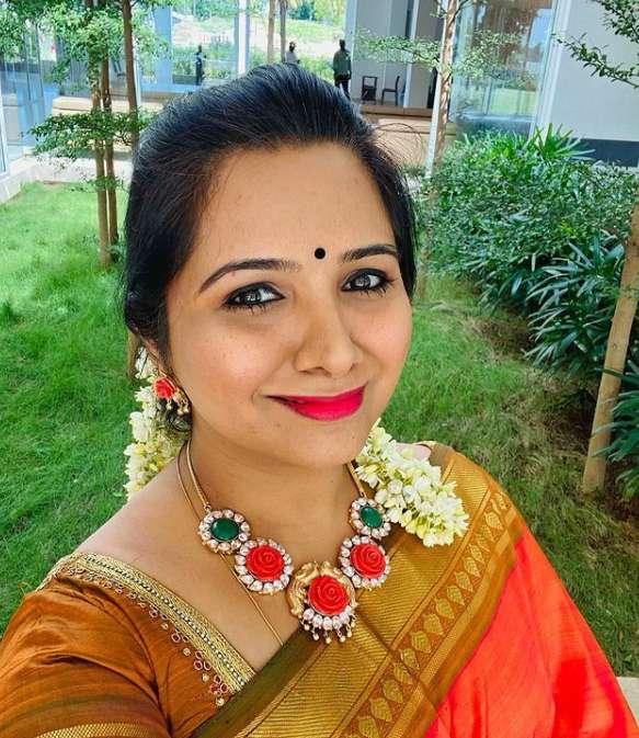 Singer Mahathi photos