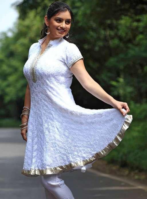 Shruti Marathe pics