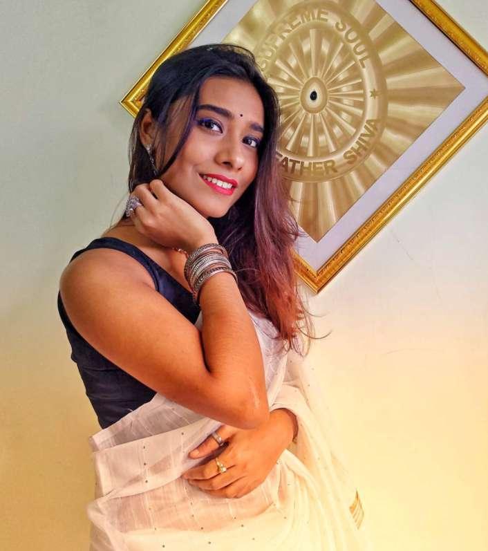 Singer Krishnakali Saha wiki Biography Family DOB images