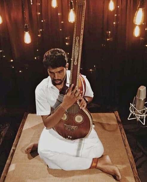 Singer Pradeep Kumar photo