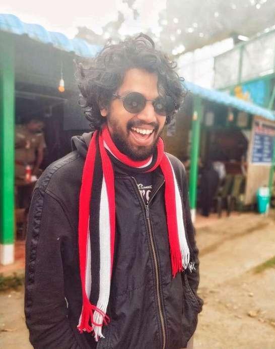 Singer Pradeep Kumar pic