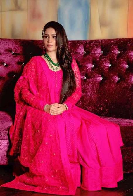 Shubhaavi Choksey photo