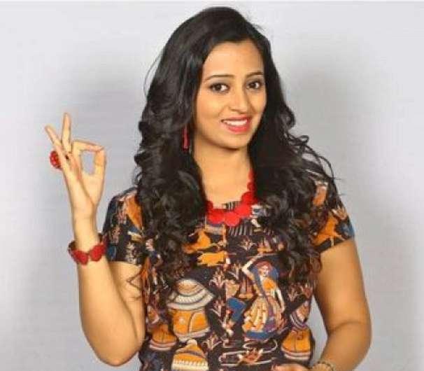Singer Malavika image