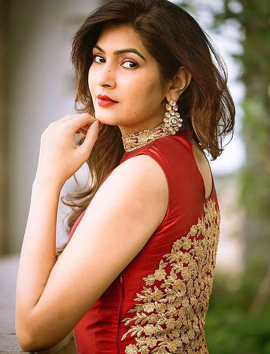 Sangeeta Chauhan photo