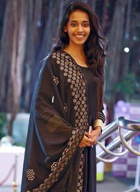 Singer Priyanka NK wiki Biography Height Net Worth images