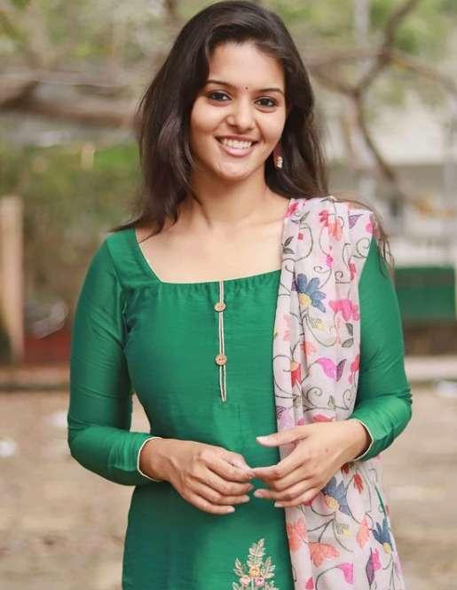 Swathishta Krishnan pic