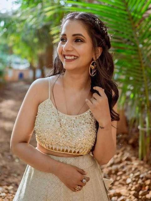 Sayali Sanjeev images
