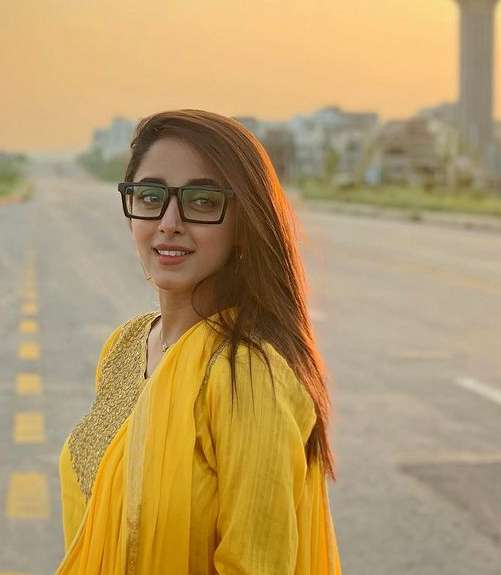Samra Chaudhry pic