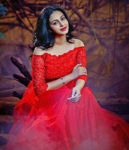 Actress Abhinaya wiki Biography Height Net Worth images