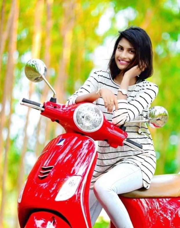 Madhu Priya photo