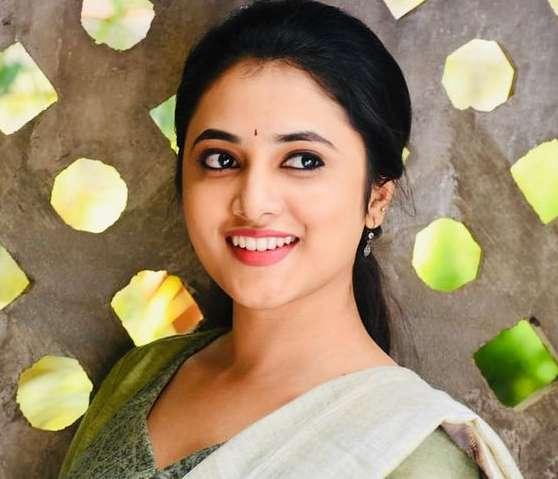 Priyanka Arul Mohan wiki Biography Profile Net Worth images