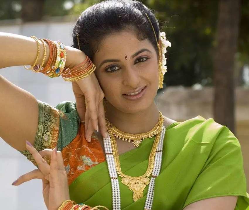 Yamini Sharma wiki Biography Profile Net Worth images