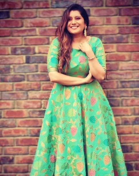 Priyanka Deshpande image