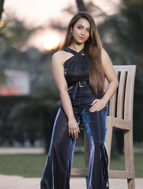Koushani Mukherjee photos