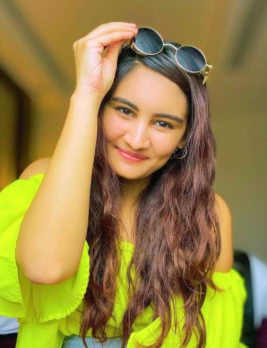 Vedika Bhandari photos