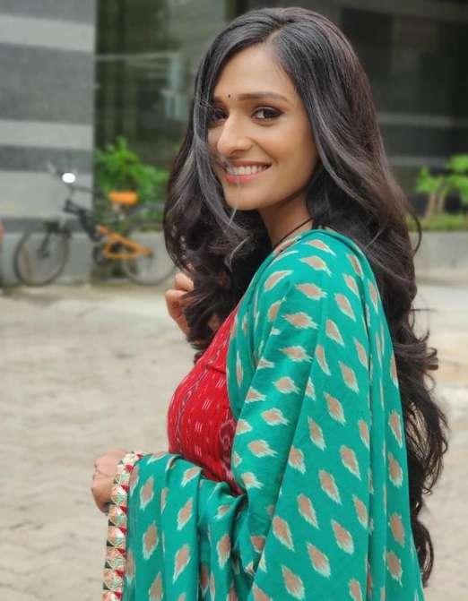 Aishwarya Khare photo