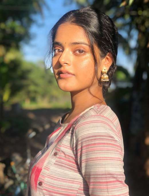 Riddhi Kumar photos