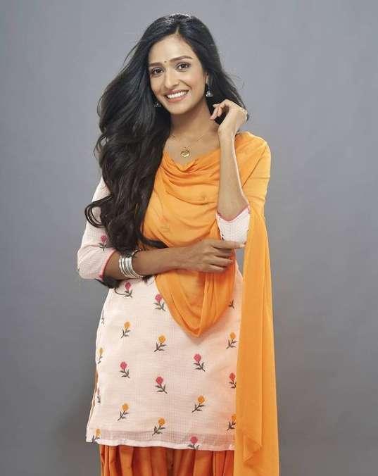 Aishwarya Khare photos