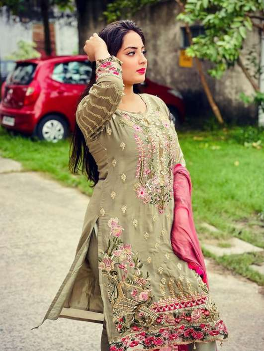 Priyanka Nayan photo