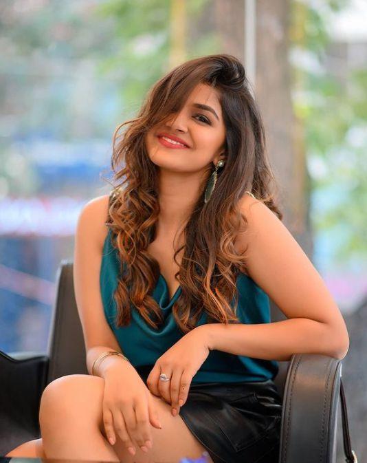 Sanjana Anand photo