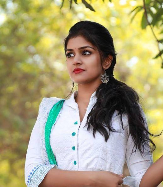 Sanjana Anand pics